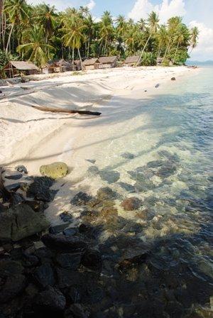 zzzPantai pulau randayan2